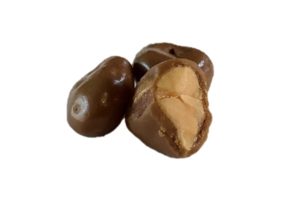 Arašídy v mléčné čokoládě 700 g