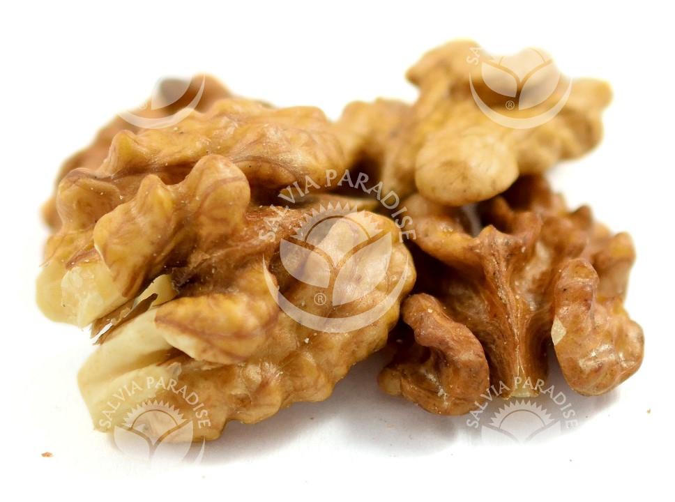 Vlašské ořechy surovina