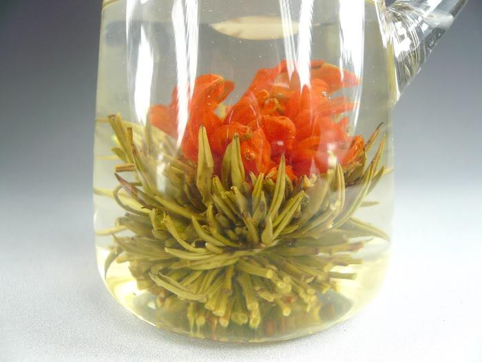 Planoucí lilie - kvetoucí čaj
