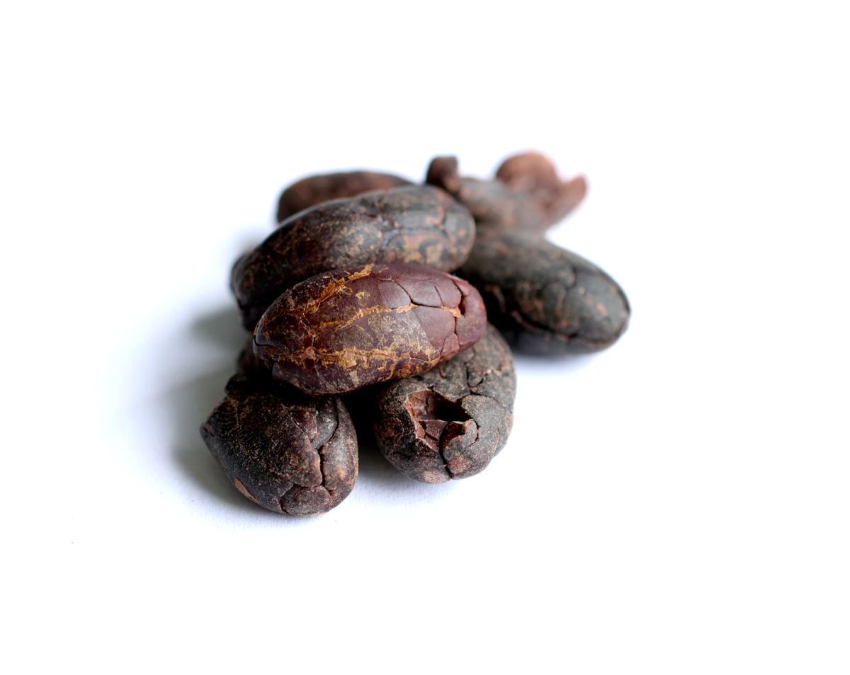 Kakaové boby nepražené celé loupané Indonésie